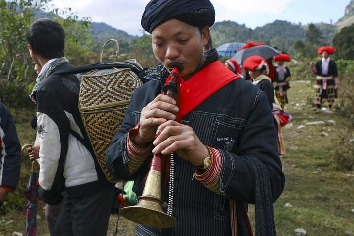 Sitten und Bräuche bei Hochzeit der Roten Dao in Lao Cai - ảnh 1