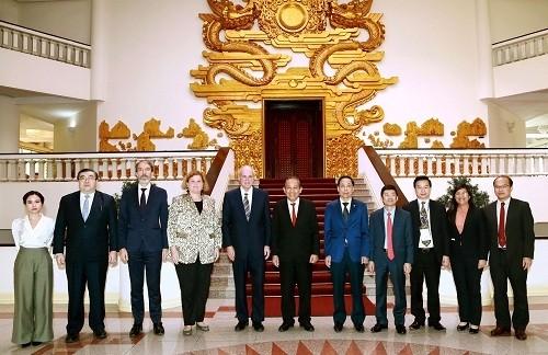 Erfahrungsaustausch zwischen OECD und Vietnam bezüglich weltweiter Korruptionsbekämpfung - ảnh 1
