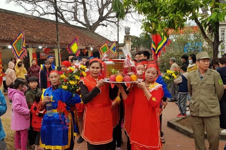 Der traditionelle Reiskochwettbewerb im Dorf Thi Cam - ảnh 1