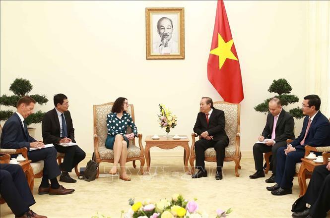 Vizepremierminister Truong Hoa Binh empfängt Hessen-Ministerin für Wissenschaft und Kunst Angela Dorn - ảnh 1