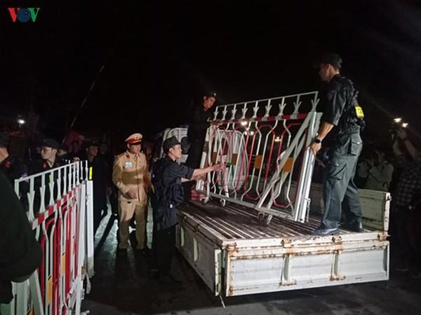 Unmittelbar vor Aufhebung der Wachen um Gemeinde Son Loi - ảnh 11