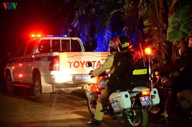 Unmittelbar vor Aufhebung der Wachen um Gemeinde Son Loi - ảnh 17