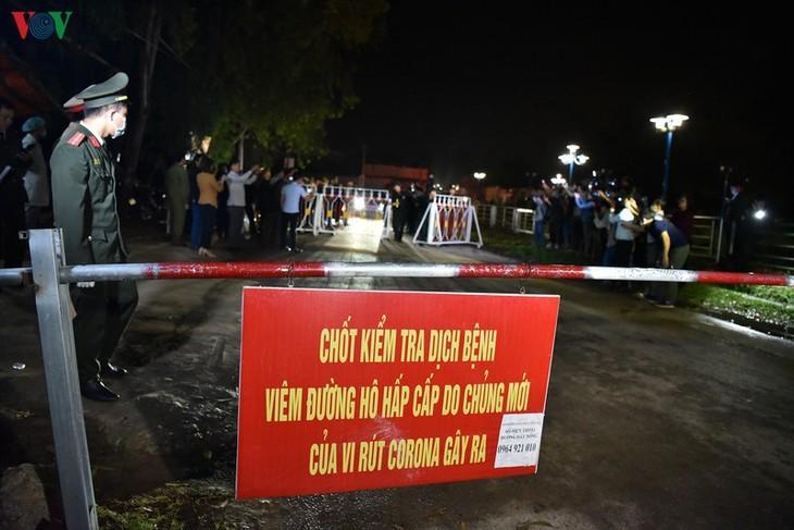 Unmittelbar vor Aufhebung der Wachen um Gemeinde Son Loi - ảnh 8