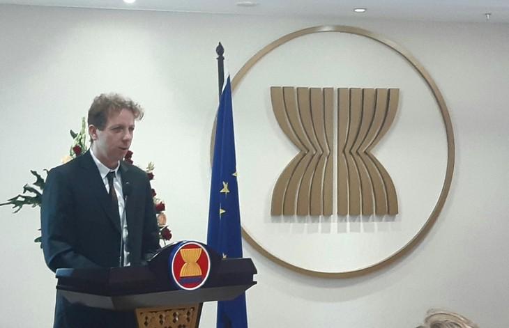 EU besorgt über alleinige Handlungen im Ostmeer durch China - ảnh 1