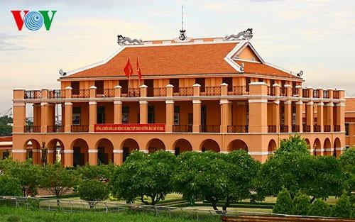 """Besuch in den """"roten Adressen"""" in Ho-Chi-Minh-Stadt - ảnh 1"""