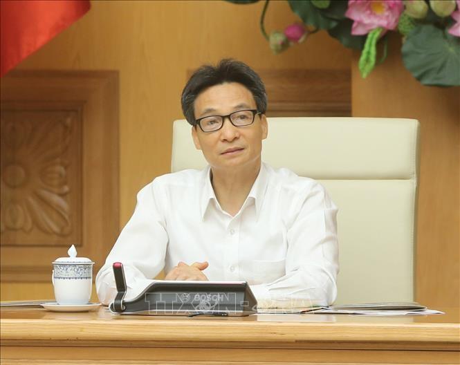 Vizepremierminister Vu Duc Dam: Beschleunigung der Produktion der Medikamente in Vietnam - ảnh 1