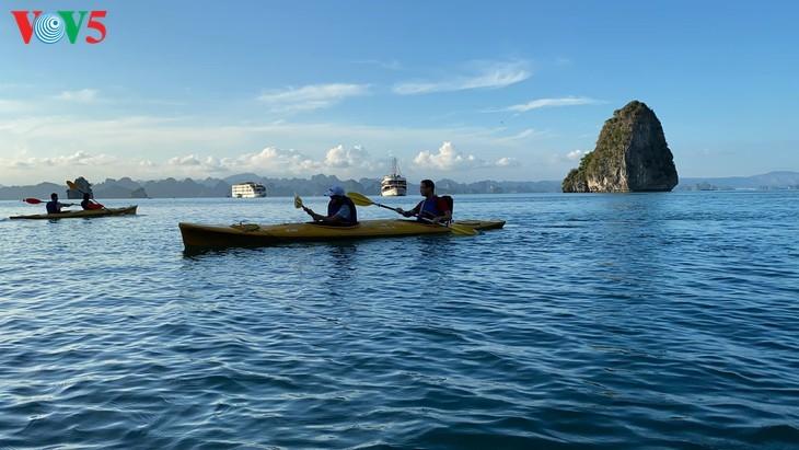 Halong-Bucht gehört zu den 50 schönsten Weltwundern - ảnh 4