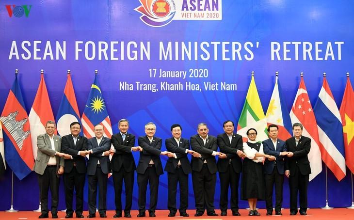 Vietnam bereitet sich auf ASEAN-Außenministerkonferenz vor - ảnh 1