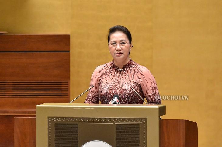 Parlamentspräsidentin Nguyen Thi Kim Ngan trifft Vorbilder bei der Bewahrung der Sicherheit des Landes - ảnh 1