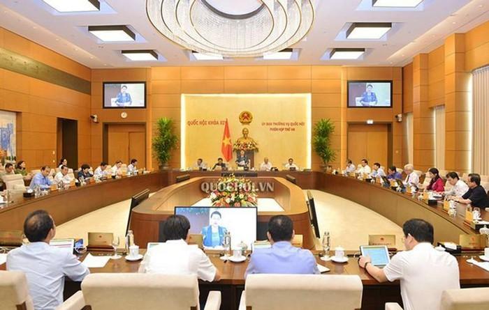 Eröffnung der Sitzung des Ständigen Parlamentsausschusses am Montag - ảnh 1