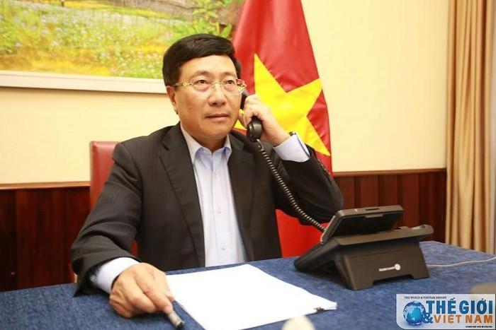 Vizepremierminister, Außenminister Pham Binh Minh telefoniert mit seinem Amtskollegen aus Saudi Arabien - ảnh 1
