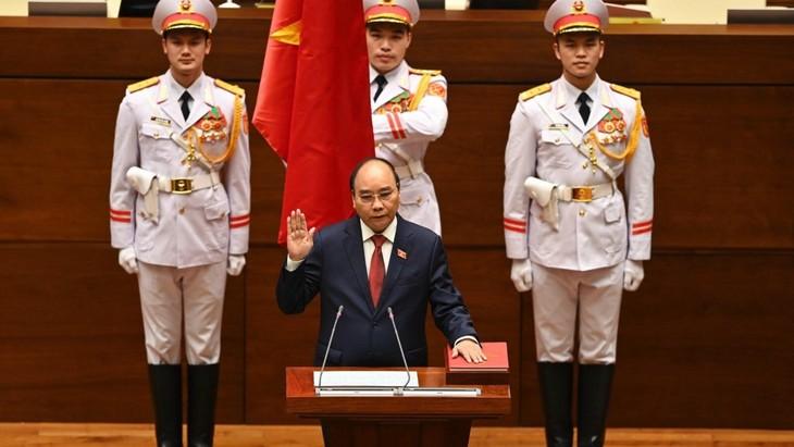 Spitzenpolitiker der Länder beglückwünschen neuen Staatspräsidenten und Premierminister - ảnh 1