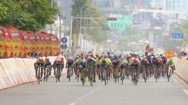"Tran Tuan Kiet siegt bei Radrennen ""Cup des Fernsehsenders Ho Chi Minh Stadt - ảnh 1"