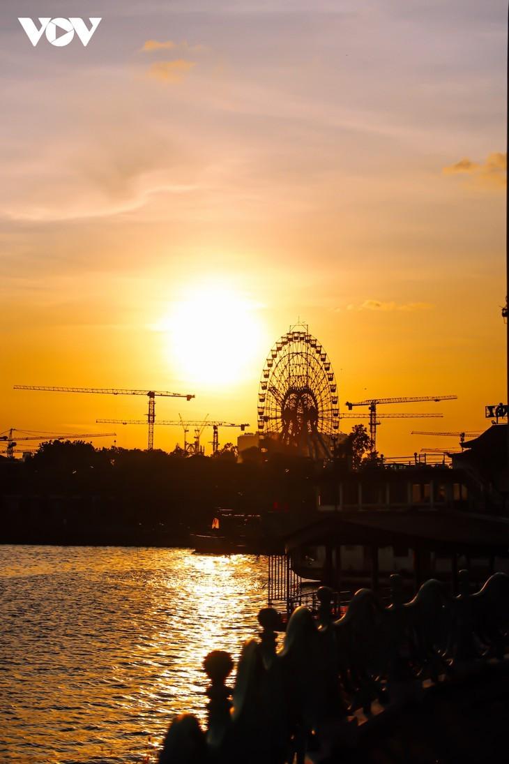 Schönheit Hanois bei Sonnenuntergang am Westsee - ảnh 2