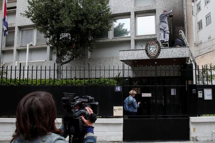 Kuba verurteilt Anschlag mit Benzin-Bombe auf die Botschaft in Paris - ảnh 1