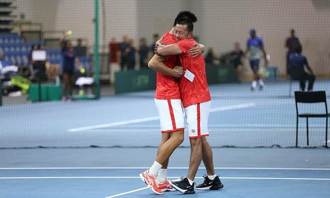 Vietnamesische Tennisauswahl hat ersten Sieg bei Davis Cup errungen - ảnh 1