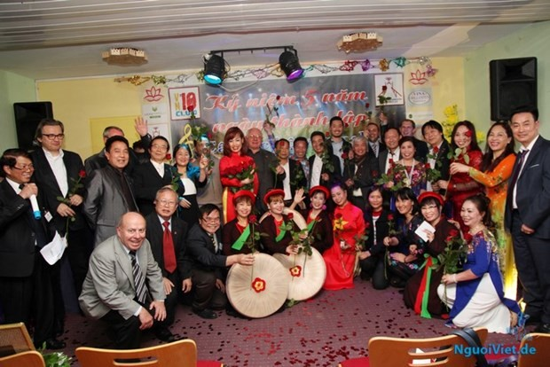 Musikalische Gala schlägt Brücke der vietnamesischen Kultur in Deutschland - ảnh 1