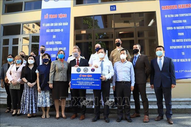 Staatspräsident Nguyen Xuan Phuc bedankt sich bei US-Regierung für Hilfe bei COVID-19-Bekämpfung - ảnh 1
