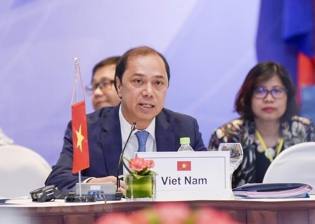 ກອງປະຊຸມ ASEAN SOM ຈັດກອງປະຊຸມກະກຽມໃຫ້ກອງປະຊຸມສຸດຍອດອາຊຽນຄັ້ງທີ 32 - ảnh 1
