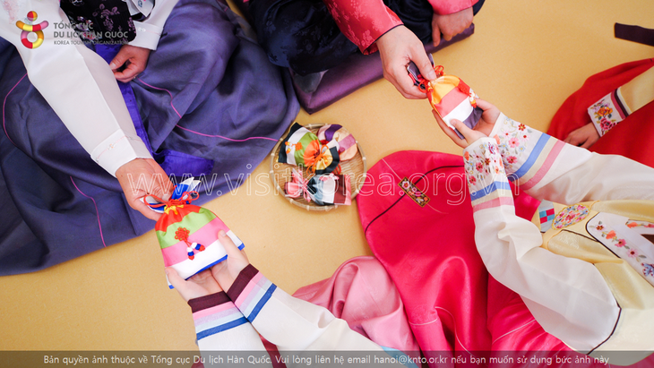 Hanbok, the traditional costume of Koreans - ảnh 4