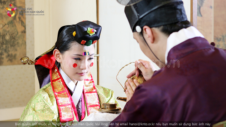 Hanbok, the traditional costume of Koreans - ảnh 5