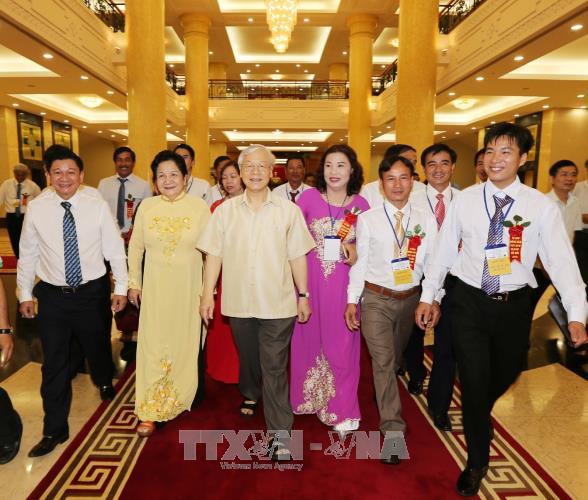 Exaltan las contribuciones de los agricultores vietnamitas a la renovación nacional - ảnh 1