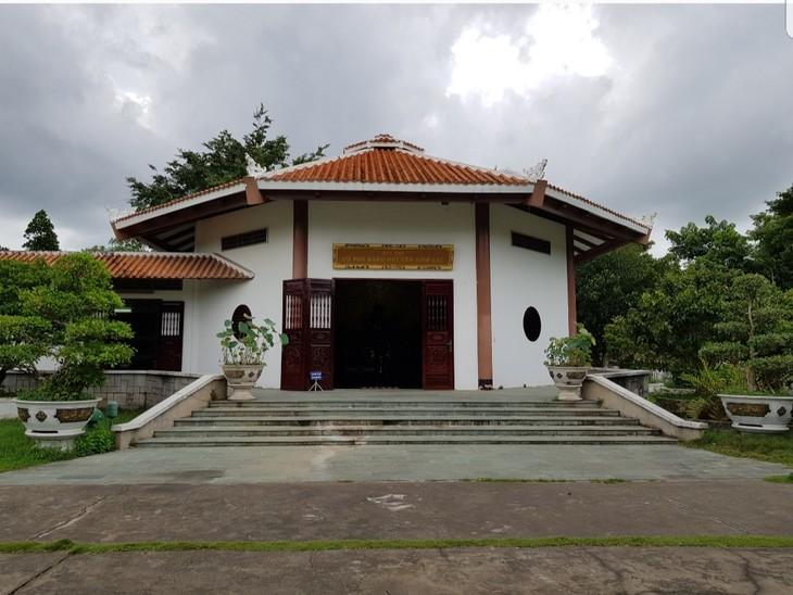 Visitan la zona de reliquias en homenaje al padre del presidente Ho Chi Minh - ảnh 1