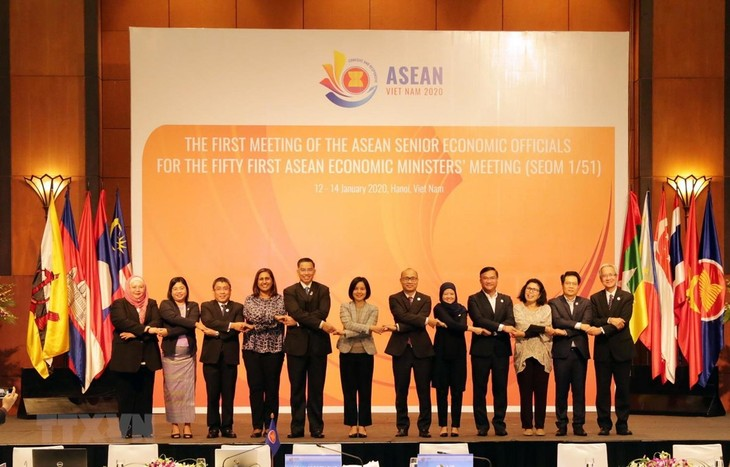 Cooperación económica, una de las prioridades de Vietnam como presidente de la Asean - ảnh 1