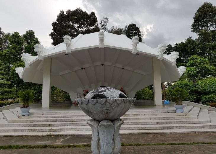 Zona de reliquias en homenaje al padre del presidente Ho Chi Minh en Dong Thap - ảnh 2