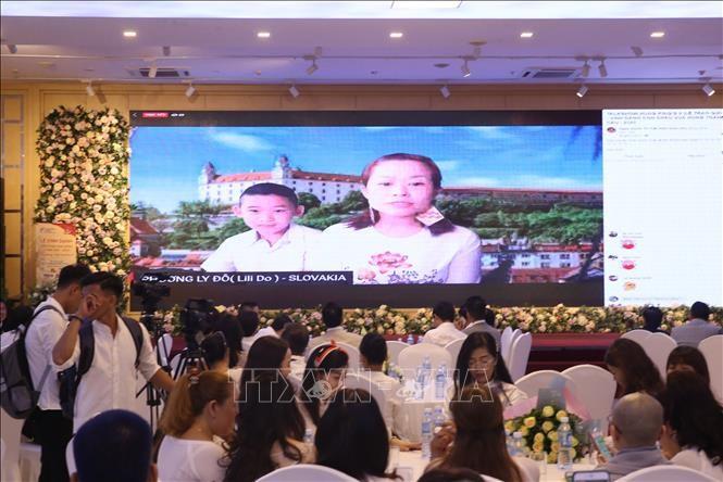 Realizan un puente televisivo para honrar a descendientes de los reyes Hung - ảnh 1