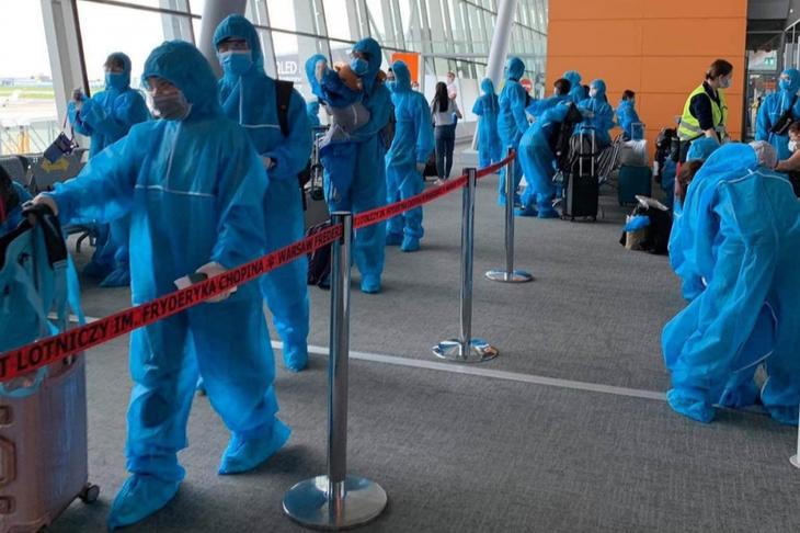 Repatrian a ciudadanos vietnamitas varados en Europa - ảnh 1