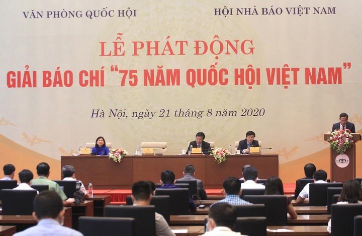 Lanzan concurso periodístico por los 75 años del establecimiento de la Asamblea Nacional de Vietnam - ảnh 1