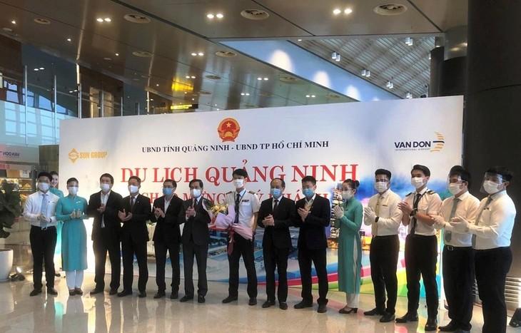 Vietnam Airlines reanuda los vuelos a aeropuerto internacional de Van Don - ảnh 1
