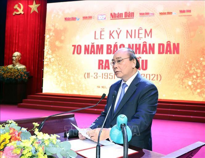Periódico Nhan Dan debe ser el medio de comunicación líder y representante del PCV, dice primer ministro - ảnh 1