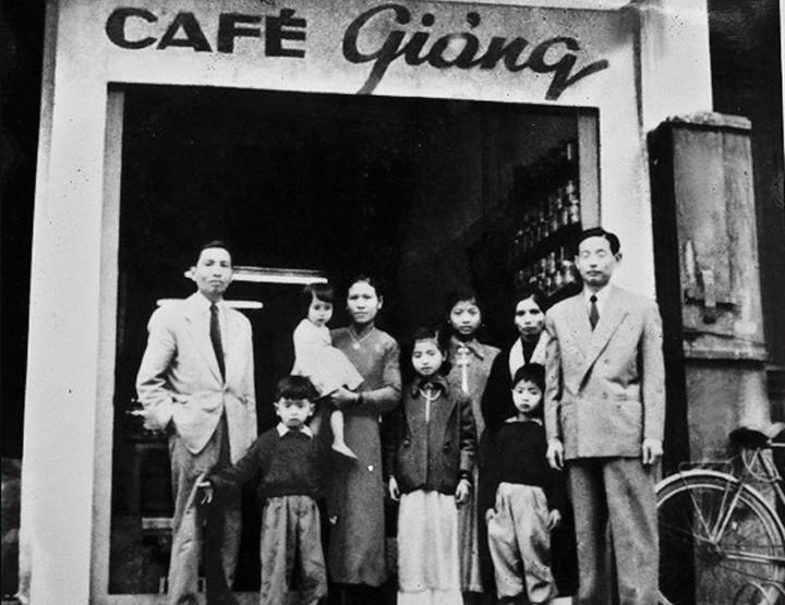 Café con huevo de Giang: una bebida peculiar de Hanói - ảnh 1