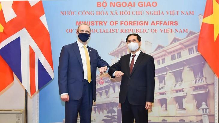 Vietnam y Reino Unido fortalecen la asociación estratégica bilateral - ảnh 1