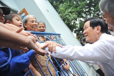 Presidente vietnamita estimula desarrollo del sector carbonífero en Quang Ninh - ảnh 2