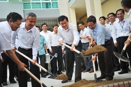 Presidente vietnamita estimula desarrollo del sector carbonífero en Quang Ninh - ảnh 1