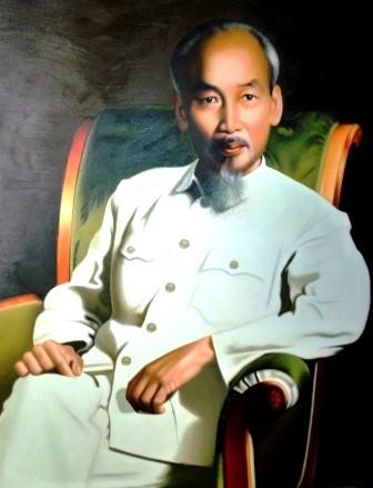 Tran Hoa Binh, autor de 600 pinturas de Ho Chi Minh - ảnh 2
