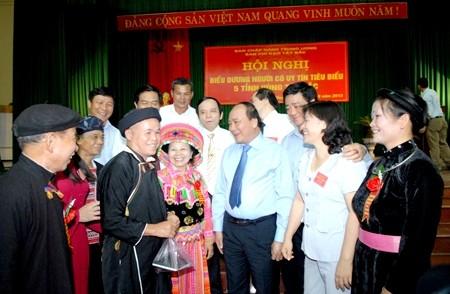 Vietnam enaltece las aportaciones de compatriotas étnicos en el desarrollo nacional - ảnh 1