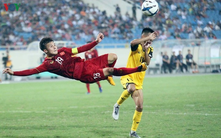 Quang Hai listed in Fox Sports poll for Asian Front Three - ảnh 1
