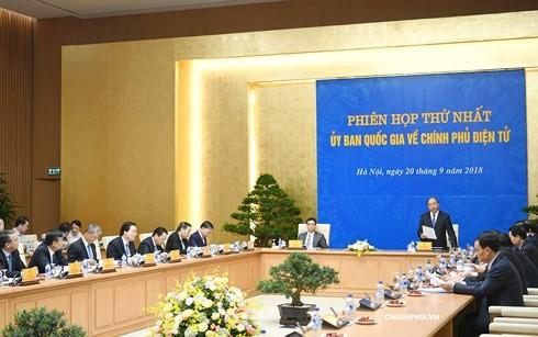 응웬 쑤언 푹 (Nguyễn Xuân Phúc)총리,  전자정부 국가위원회의 첫 회의 주재 - ảnh 1