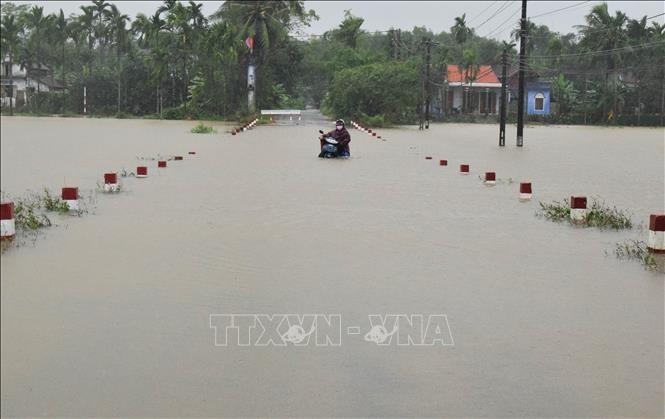 홍수 여파 극복 :  많은 도로 복구 개통, 주민들 무사히 귀가 - ảnh 1