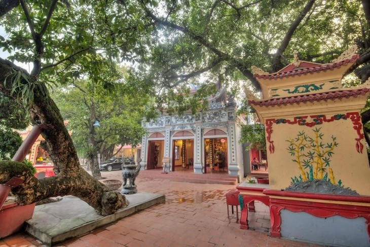 """모교신앙을 품은 곳 """"서호부"""" : 하노이의 신성한 아름다움 - ảnh 1"""
