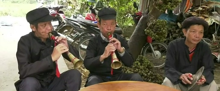 째이 소수민족의 전통 나팔피리 깬필래  - ảnh 2