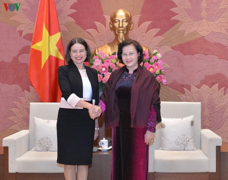 응우옌 티 낌 응언 국회의장, 호주와 한국 대사 접견 - ảnh 1