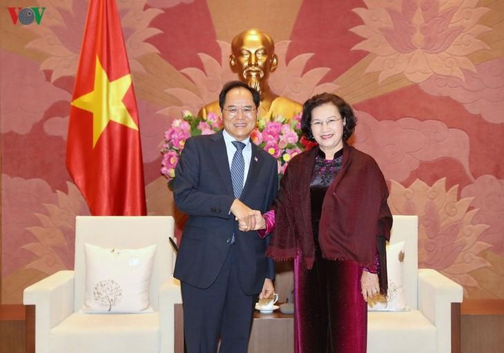 응우옌 티 낌 응언 국회의장, 호주와 한국 대사 접견 - ảnh 2