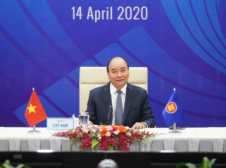 ASEAN 2020: 국제 지도자와 기구들, 코로나19에 대한 아세안과 아세안 +3 특별정상회의 개최에  대한 베트남의 역할을 높이 평가 - ảnh 1