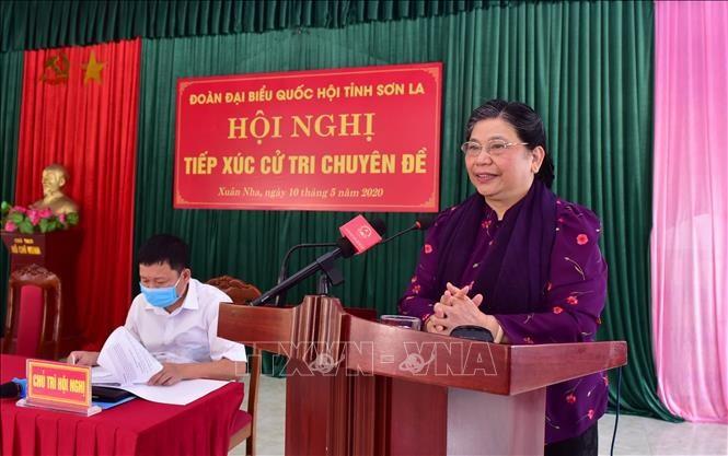 동 티 퐁 상임부의장, 썬라성 선거인들과 접촉 - ảnh 1