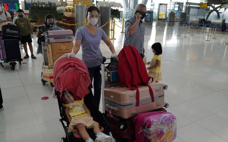 태국발 베트남 국민 300여명 귀국 - ảnh 1
